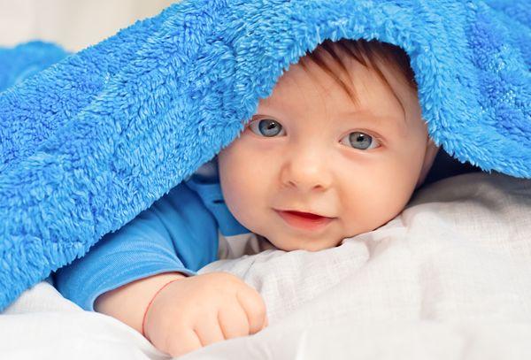 Quando iniziano a vedere i neonati?